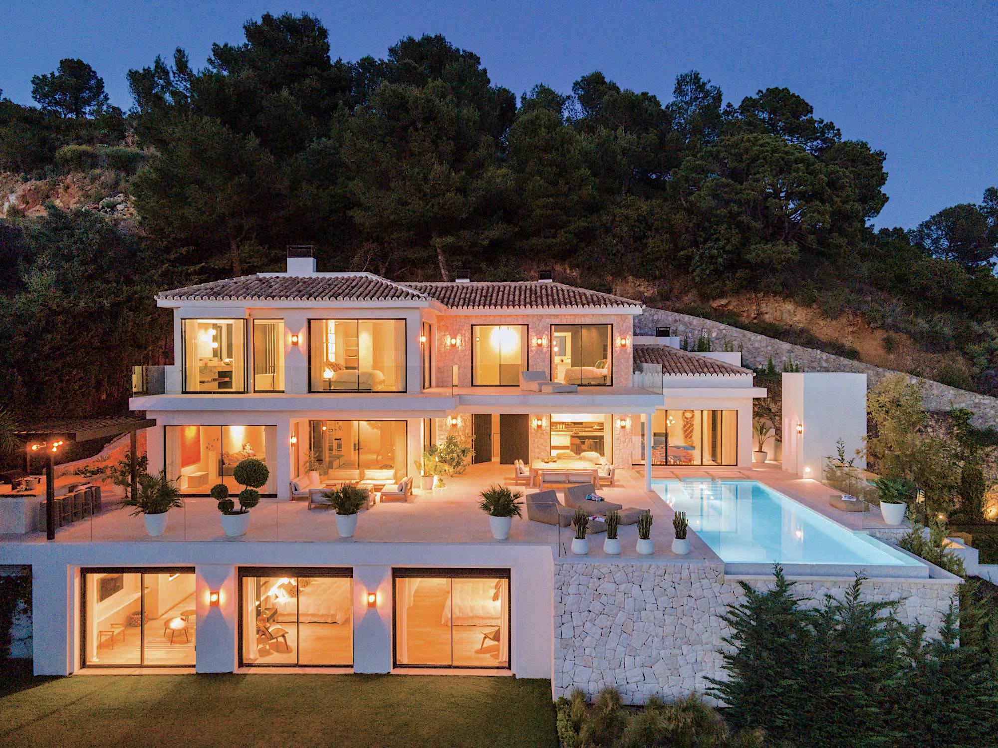 LUXURY VILLA FOR SALE   ANDALUSIA SPAIN   6 995 000 EURO